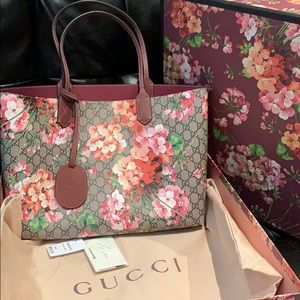 Authentic Gucci GG Blooms Reversible tote bag